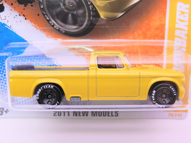 hot wheels '53 studebaker champ yellow (2)