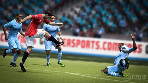 FIFA 12: Chicharito shot