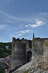 Château de La Roche en Ardenne - Belgique (Vaxjo) Tags: castle ruins belgique château castillo castelli ruines wallonie larocheenardenne