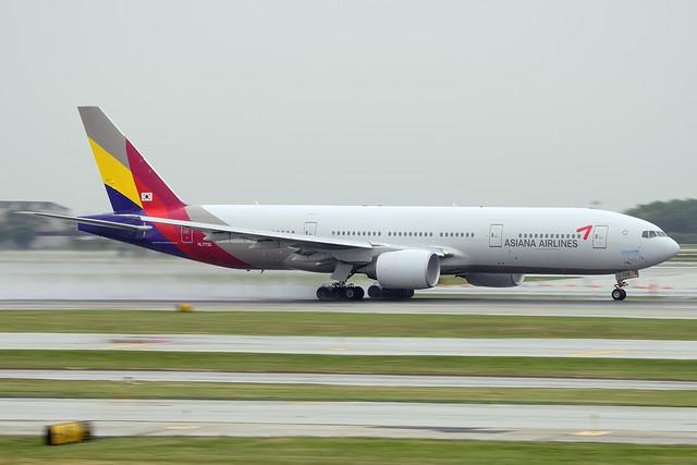 Asiana Airlines Boeing 777-28E(ER) (HL7732)