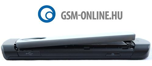 LG Optimus 7 félig leszedett hátlappal
