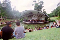 (famnighjarta) Tags: people water concert nikon kodak stage band f3