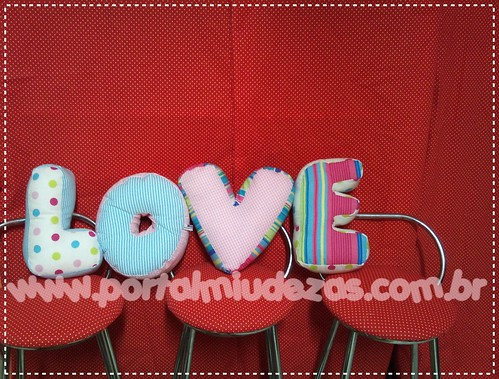 "Almofada ""LOVE"" by Miudezas by miudezas_miudezas"