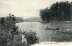 368. Essômes-sur-Marne. La Marne (c.1910) (pellethepoet) Tags: trees girls france river children boat fishing europe postcard photograph enfants filles cartepostale picardy aisne fishingrods lamarne cartespostalesanciennes essômessurmarne
