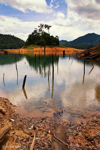 Sah Kecil Island, Kenyir Lake by Zackri Zim'S