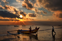 Kedongan, Jimbaran, Bali - Sunset (Bali Photography Workshop sample) (Mio Cade) Tags: sunset bali fish indonesia boat fishing fisherman village workshop lebaran jimbaran kedongan