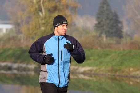 Běžecká bunda - druhá vrstva, kterou oceníte
