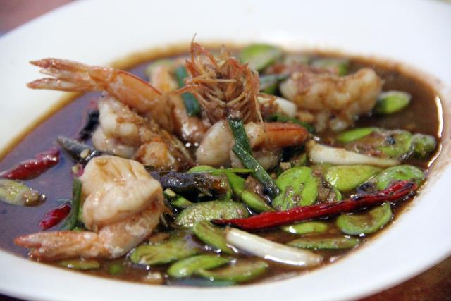 Goong Pad Sataw กุ้งผัดสะตอ