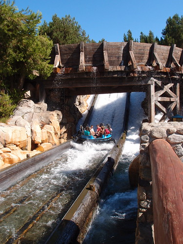 Disney Carifornia Adventure - Grizzy River Run