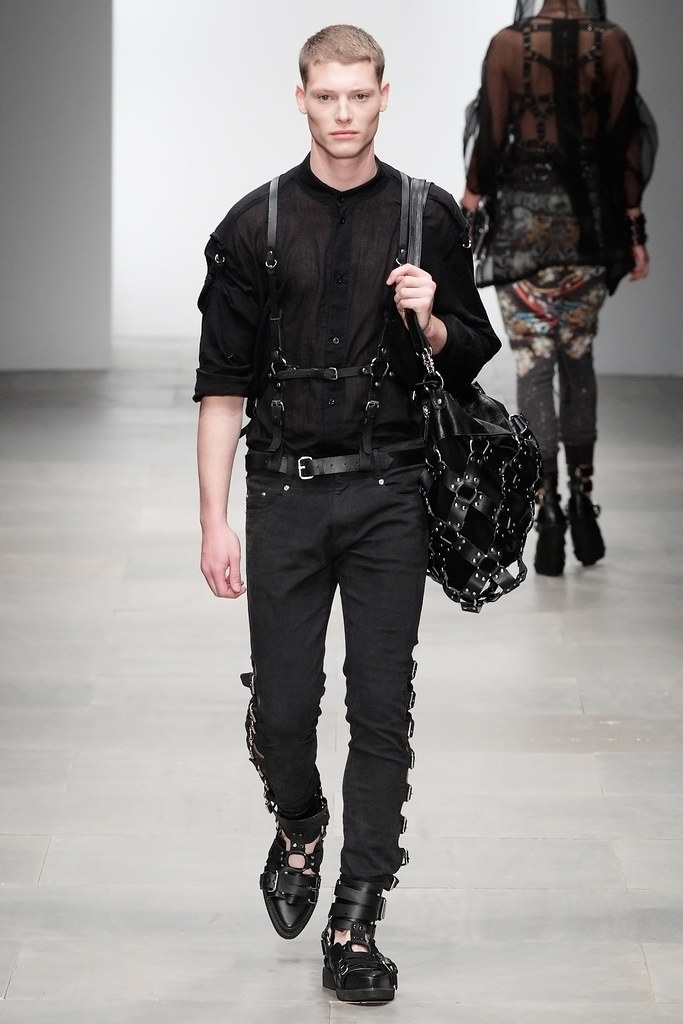 Christopher Rayner3144_SS12 London KTZ(VOGUE)