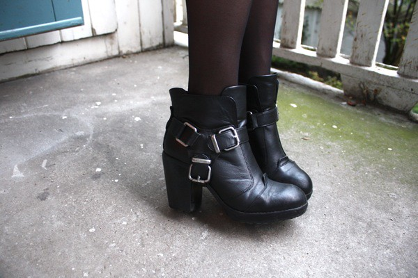 dolce vita buckle boots ankle black