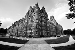 Founders Building, Royal Holloway (S.Tore) Tags: blackandwhite bw castle architecture victorian wideangle surrey chateau egham rhul runnymede royalholloway crosslands foundersbuilding thomasholloway