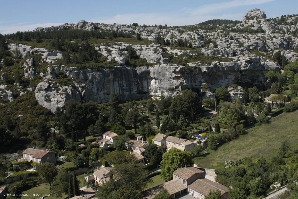 Le village moderne, en bas de l'ancien village des Baux