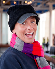 Lorraine - #8 of 100 Strangers (theqspeaks) Tags: portrait woman girl smile hat bar scarf canon photo dc washington october colorful waterfront walk georgetown worldwide laugh photowalk tamron lorraine bartender f28 2011 scottkelby nicksriversidegrille 1750mm 100strangers t1i tamronspaf1750mmf28xrdiiivcldasphericalif theqspeaksblogslideshow
