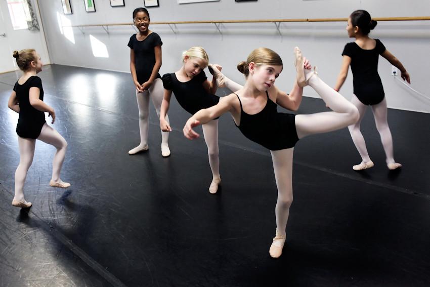 100511 005a ballet instruction ak
