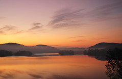[ sunrise ] and the beginning of an awesome day (DaizyB) Tags: sunrise tremblant monttremblant laurentides laurentians moutaines lake islands grandlodge balcony view sun daylight nikon d300 fog landscape flickraward