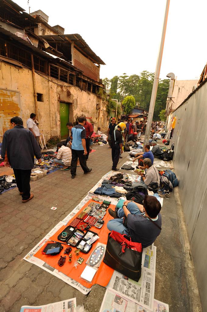 KL Petaling Street Flea Market ...