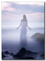Alma del mar (HanaHoudkova) Tags: sea portrait water mar agua aqua meer wasser mare retrato alma fairy soul voda mediterrneo hada portrt moe rittrato due vla