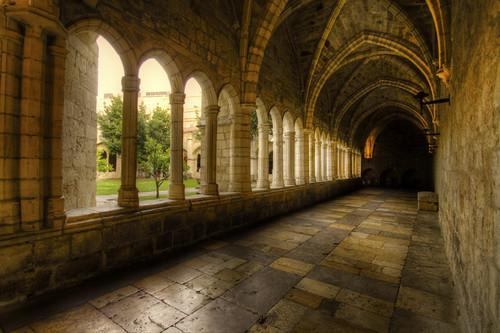 Santander cathedral cloister. Claustro de la catedral de Santander