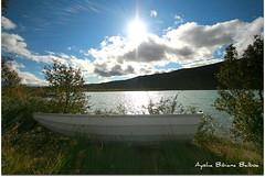 Lago de Bergen (Aysha Bibiana Balboa) Tags: paisajes oslo de lagos fotos reflejo bergen neblina efecto rioscataratas oslofotos