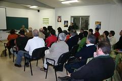 El alcalde Carlos Totorika danado las explicaciones correspondientes. Vista de un plano general