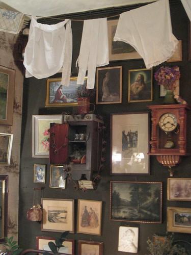 Götan Maailma antique oddities curiosities shop Helsinki
