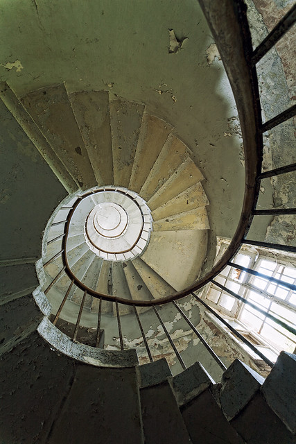 This is a very circular staircase