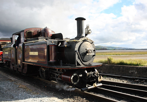 Double Fairlie steam engine