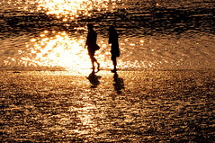 _DSC0106    Wave light sparkle (michaeliao27) Tags: sunset beach taiwan  taichung     geomei geomeiwetlant