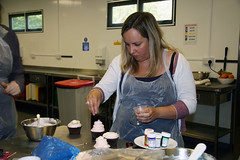 Corporate Workshop - MBA & National Trust (Crumbs & Corkscrews) Tags: cake mba cotswolds class course cupcake decorating workshop icing nationaltrust buttercream cirencestercupcakes cotswoldchef