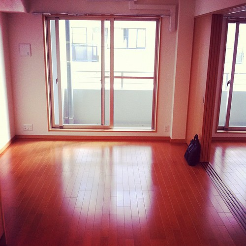 静岡の新居なう。一人暮らしには充分広いですよ♪(´ε` )