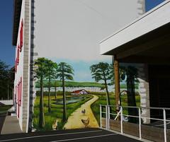 Bélus, Landes: peinture murale très couleur locale, sur le mur de l'école (Marie-Hélène Cingal) Tags: school france southwest mural pins 40 ferme lapin école poules landes sudouest aquitaine peinturemurale paysdorthe bélus