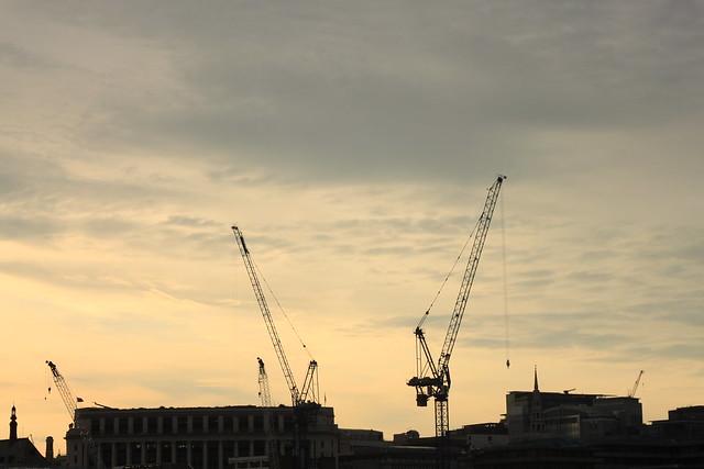 LONDON CALLING 664