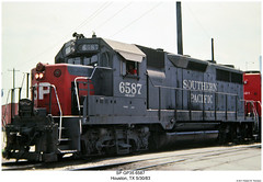 SP GP35 6587 (Robert W. Thomson) Tags: railroad train texas diesel houston railway trains sp locomotive trainengine southernpacific geep espee emd gp35 fouraxle