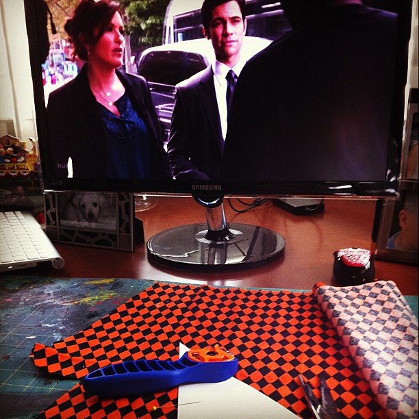 Project 365 270/365: Crafts and watching SVU. #multitasking