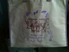 """Vamos s compras em Paris! (""""Feltro Flor"""") Tags: quilt patchwork bolsa bolsas aula molde tecido bordado costura necessaire"""