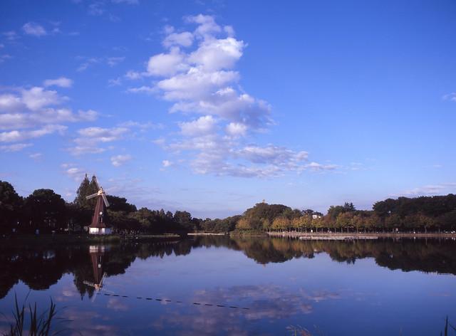 湖面の青空