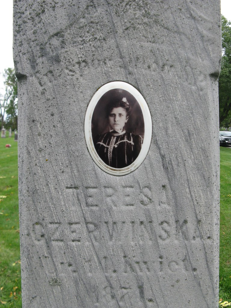The Worlds Most Recently Posted Photos Of Cameo And Cemetery - Ceramic photo on headstone