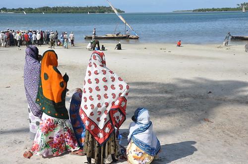 Girls on Tumbe beach