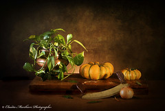 October Still Life n36 (Claudio Marchiori) Tags: light pumpkin pentax onions zucche naturamorta cipolle