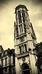 Saint-Germain l'Auxerrois (molineli) Tags: paris france tower church torre tour iglesia finepix fujifilm francia glise pars x100 igrexa saintgermainlauxerrois ringexcellence