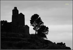 Santa Helena (glidblue) Tags: church silhouette niceshot iglesia medieval catalunya silueta 1001nights glise middleages costabrava santahelena moyenge cataluna catalogne altempord santperederodes aplusphotos santacreuderodes glidblue mygearandme musictomyeyeslevel1