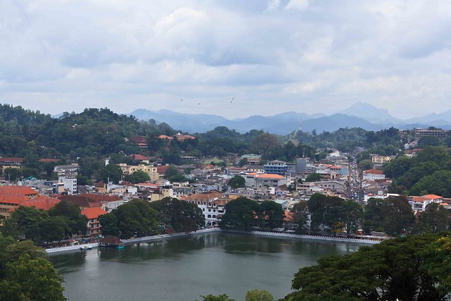 Kandy_Lake_Birdseye_View_Sml-3905