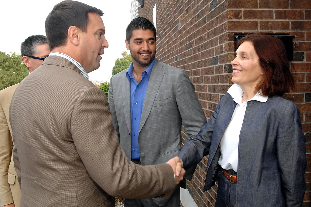Tim meets with Etobicoke-Centre Ontario PC Candidate Mary Anne De Monte-Whelan and PC Candidate for Etobicoke-North Karm Singh outside of Return Trax in Etobicoke