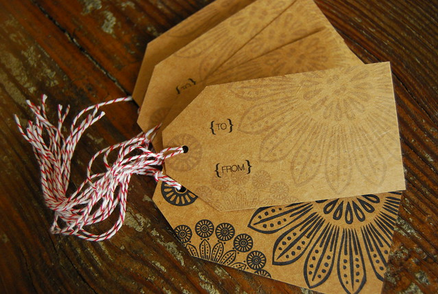 Set of 8 Kraft Holiday Gift Tags