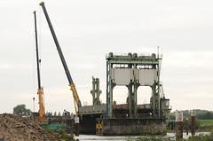 IJsselbrug (BlonTT) Tags: ns rails brug ijssel trein spoor sloop ijsselbrug