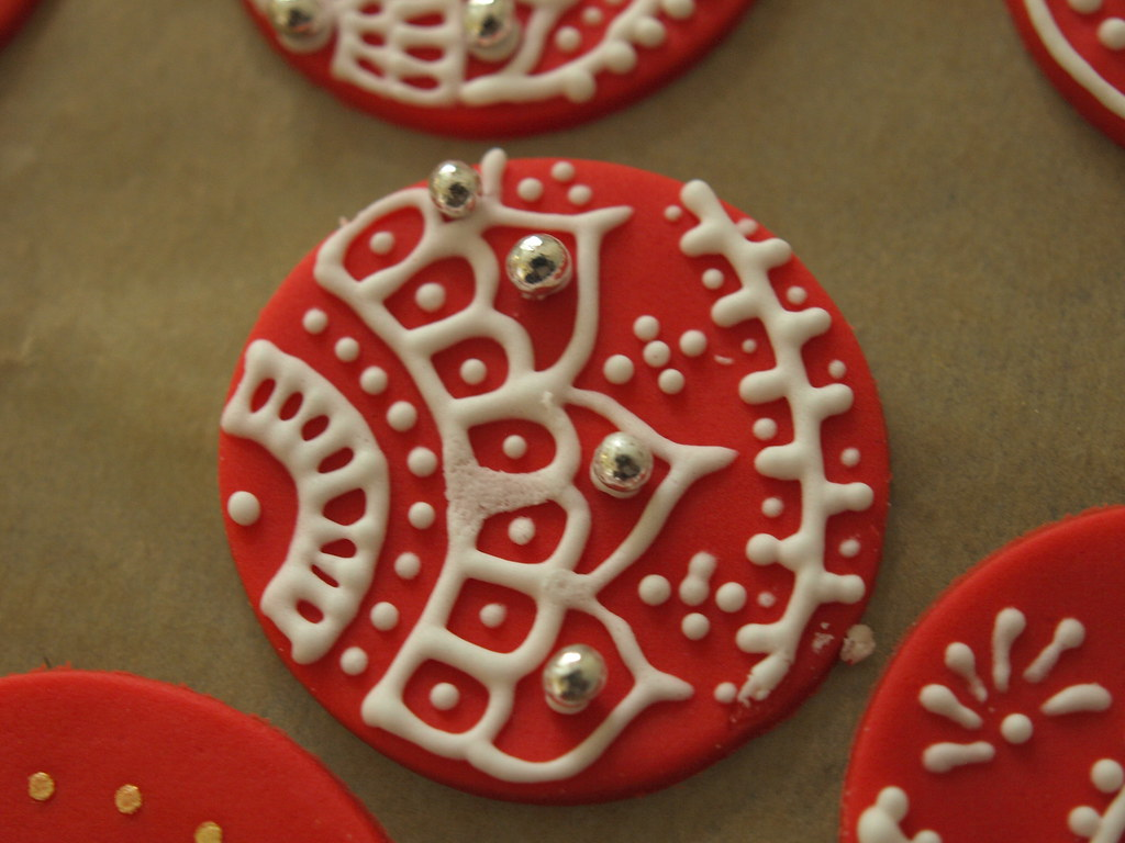 Mehndi Cake Toppers : The world s most recently posted photos of cupcakes and stencils