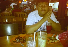 P01: irfan (hazriqpedia) Tags: camera food phone blackberry torch ampang 9800 chinesemuslim pakya