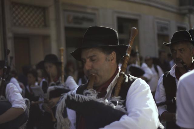 Suonatore di cornamusa di una banda musicale di Bergamo al Tocatì 2011 di Verona