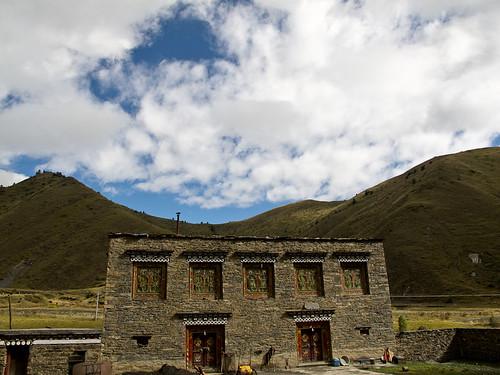 Tibetan style house